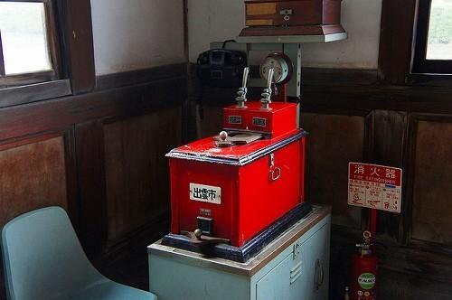 旧大社駅には旧国鉄時代に使われていた鉄道用具や記念切符などが展示されています。.jpg
