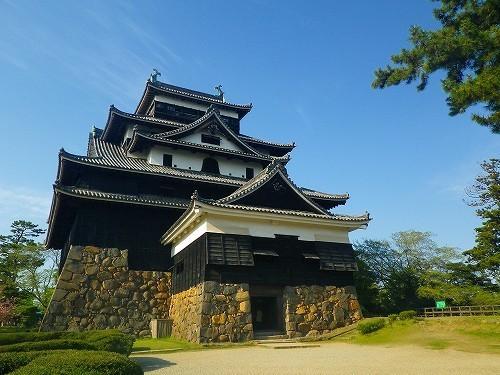 松江城は全国に現存する12天守閣の1つで山陰地区では唯一の天守.jpg